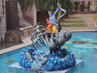 Krishna bekämpft die Nagas