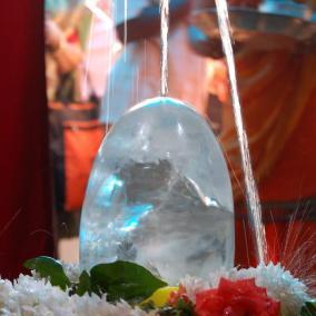 Edler Linga aus Bergkristall
