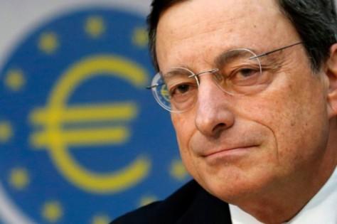 Mario Draghi, Präsident der Europäischen Zentralbank, ist der ehemalige Vizepräsident der Europäischen Goldman-Sachs Bank. Er hat dem Europäischen Parlament ihre Rolle bei den Veruntreuungen der Bank im Auftrag der griechischen Regierung verheimlicht, die jedoch durch Dokumente der Bank bescheinigt sind.